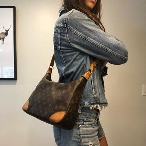 Authentic Louis Vuitton Crossbody!! Beautiful!!!